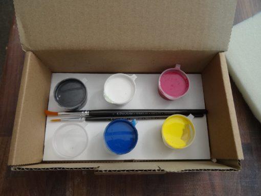 Acrylic paint kit.